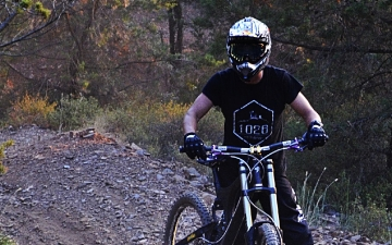 Mountain bike-Downhill_3
